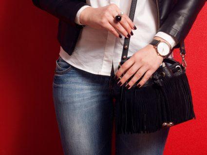 Mulher com carteira
