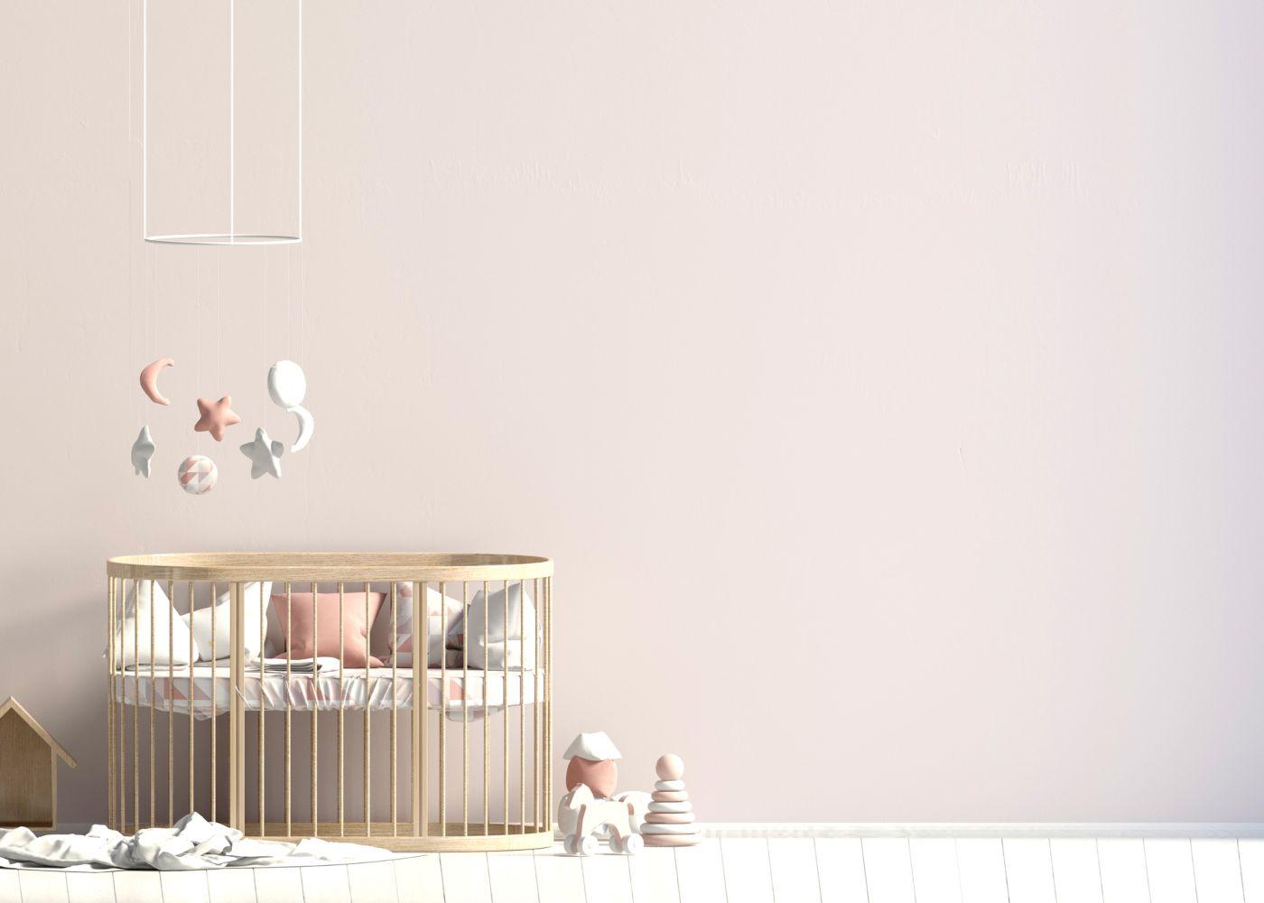 indispensáveis num quarto de bebé dispostos na divisão