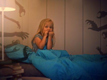 criança com terrores noturnos