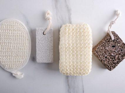várias esponjas de banho