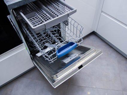 Lavar a máquina da loiça
