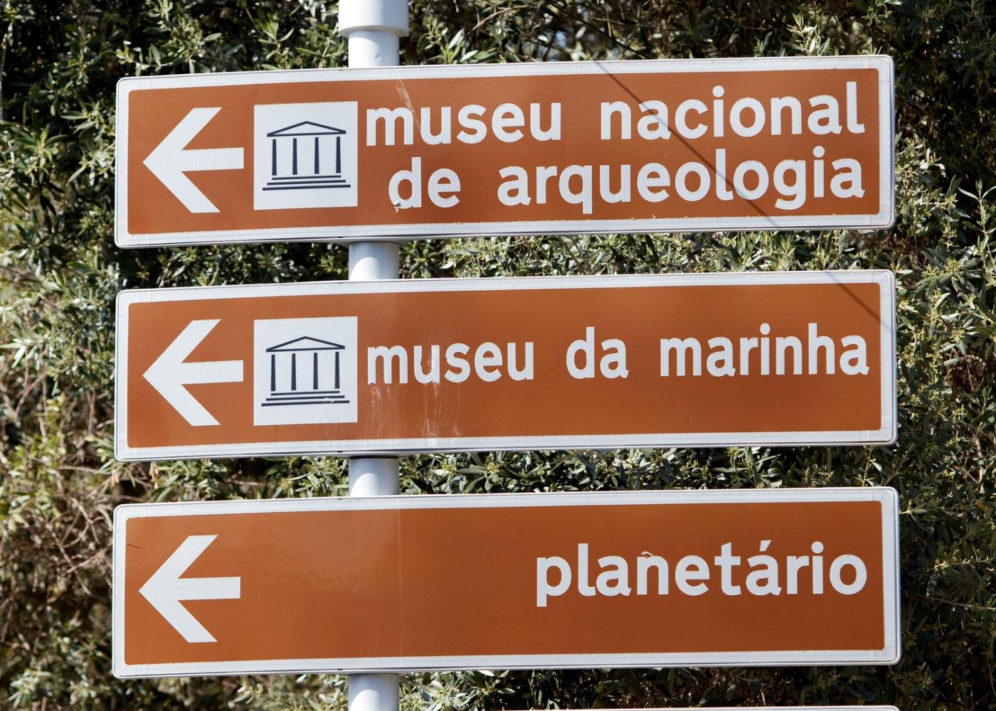 sinais de trânsito turistico culturais