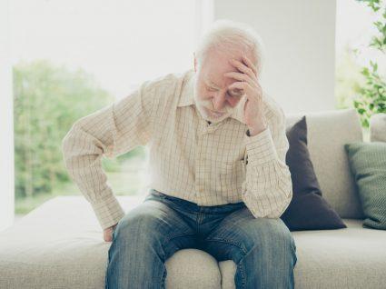 Homem com sintomas de avc