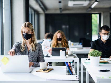 Empresa pode ler e-mails pessoais