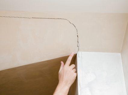 fissuras no teto