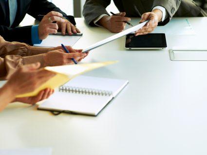 representantes a assinar contrato coletivo de trabalho