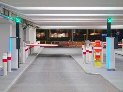 entrada de um parque de estacionamento subterrâneo