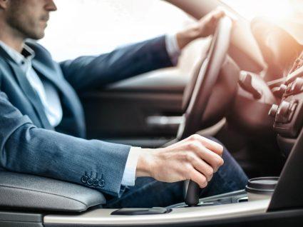conduzir carro da empresa