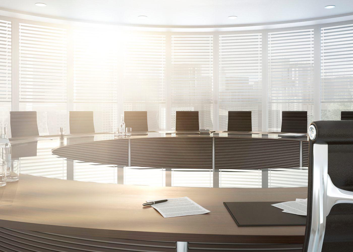 sala de reuniões fazia com documento de abandono do posto de trabalho na mesa