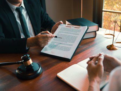 empregador a apresentar processo disciplinar laboral a funcionário