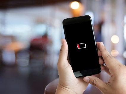Smartphone com bateria viciada