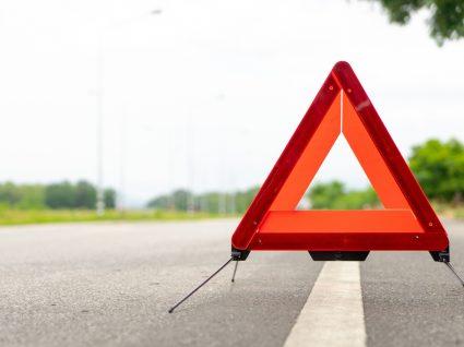 triângulo de alerta para carro parado
