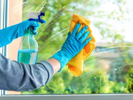 lavar janelas e estores