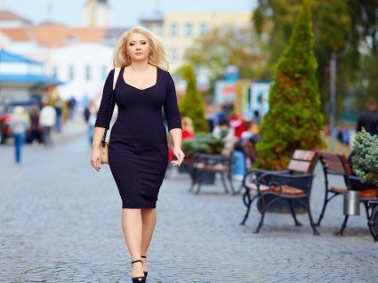 Mulher com roupas XL