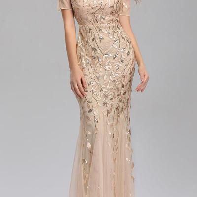 vestido bordado bege