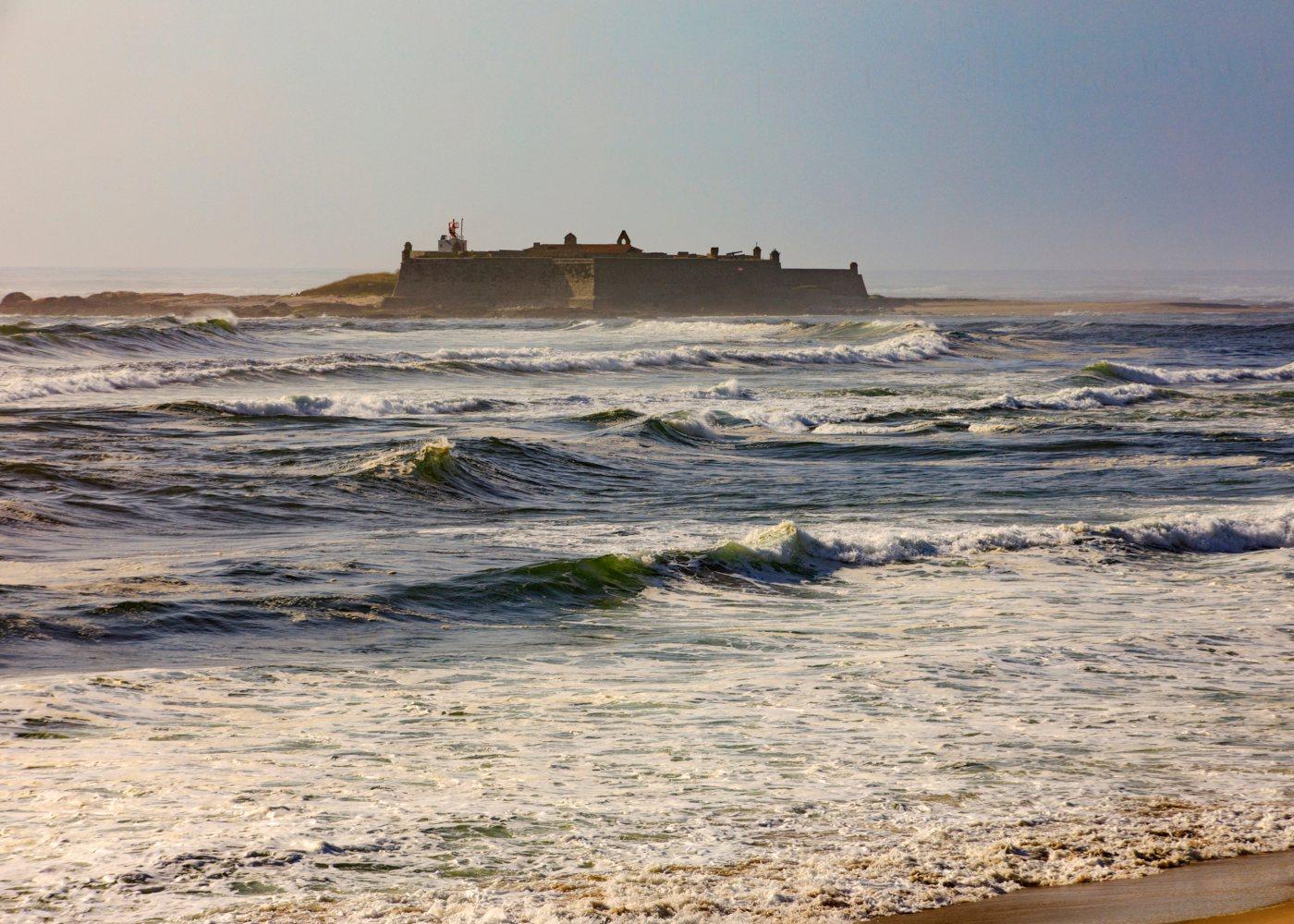 vista sobre o mar da praia de moledo