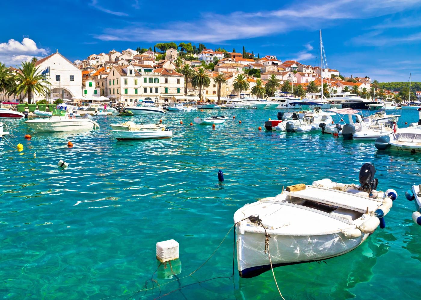 vista sobre a ilha Hvar na Croácia
