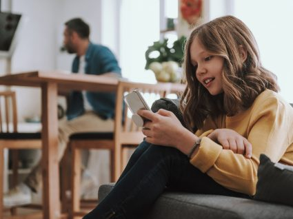 idade certa para dar telemóvel ao seu filho
