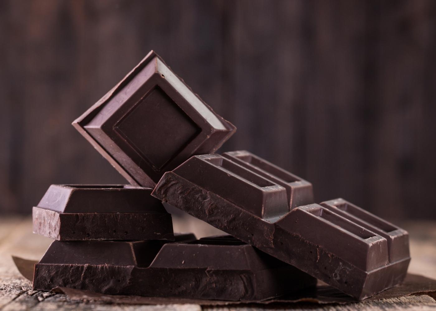 chocolate partido em quadrados