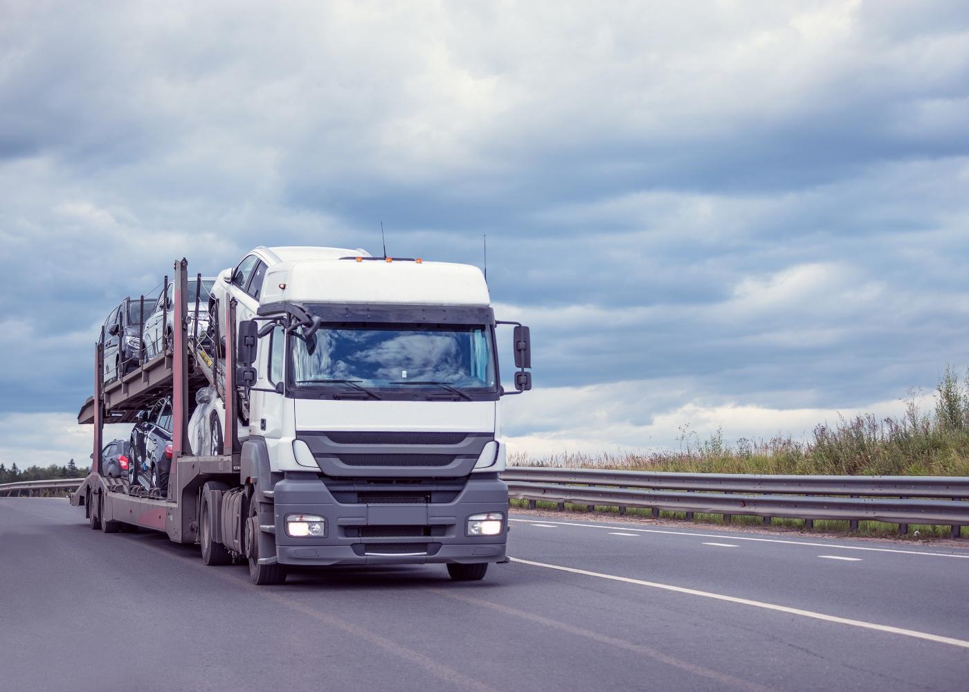 camião transporte de carros