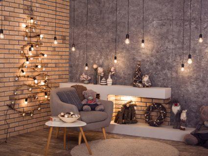 decoração de sala de natal com árvore feita com iluminação