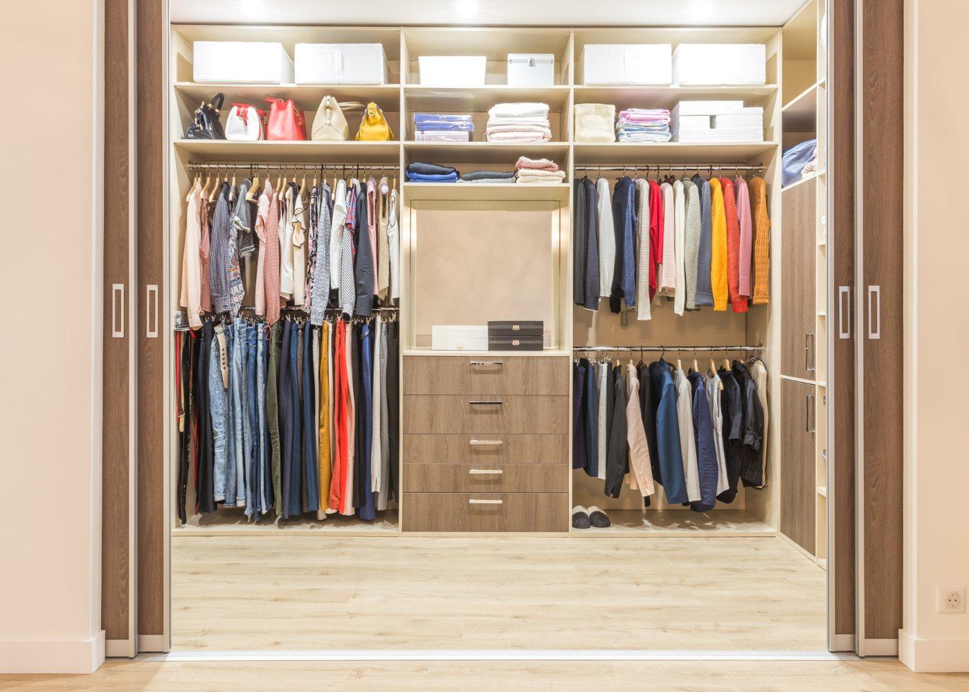 closet como um dos extras que valorizam a sua casa
