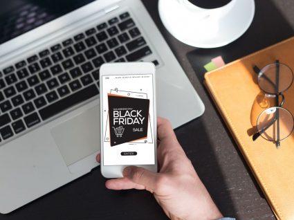 Telemovel com publicidade da Black Friday