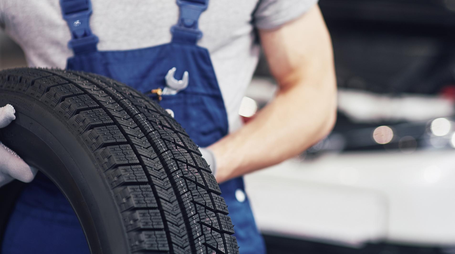 pneus frente tras