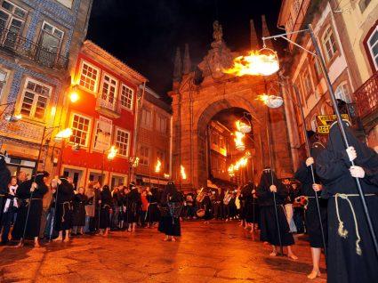 Procissão na Semana Santa em Braga