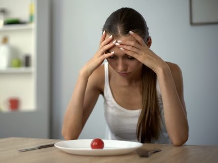 Mulher com sintomas de anemia