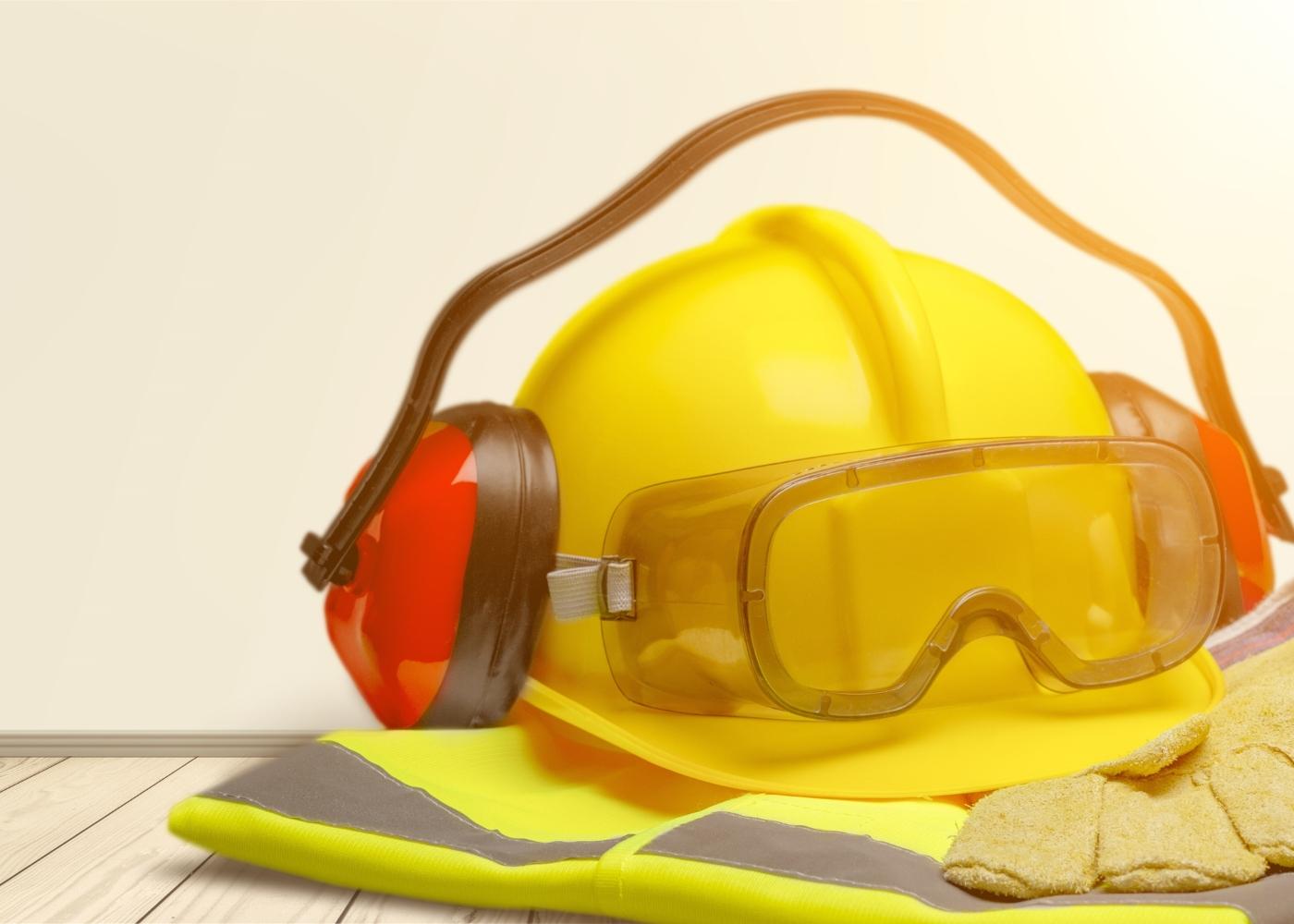 equipamentos de proteção contra o ruído no trabalho da construção