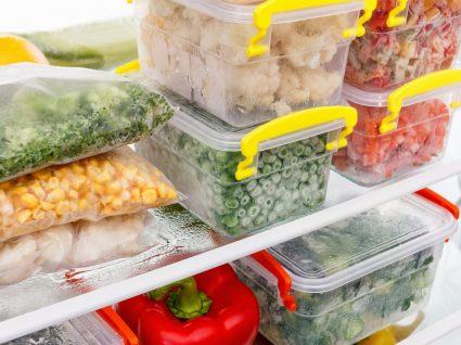 Caixas de comida congelada