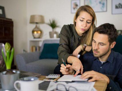 Casal a analisar se opta pelo englobamento no IRS ou pela tributação autónoma