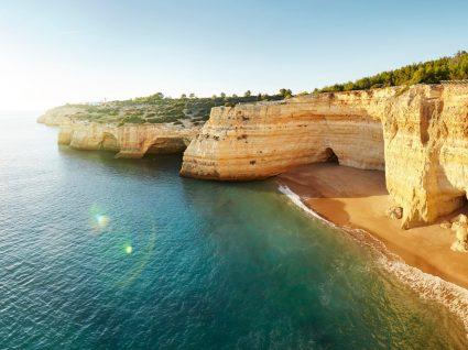 Vista das melhores praias do Algarve