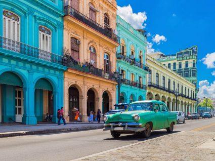 Rua em Havana
