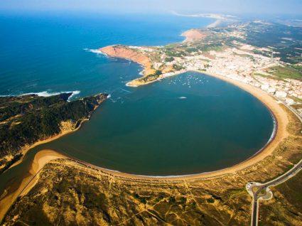 Vista aérea de são martinho do porto