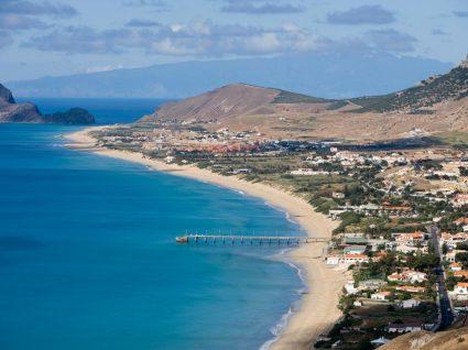 Praia dourada em Porto Santo
