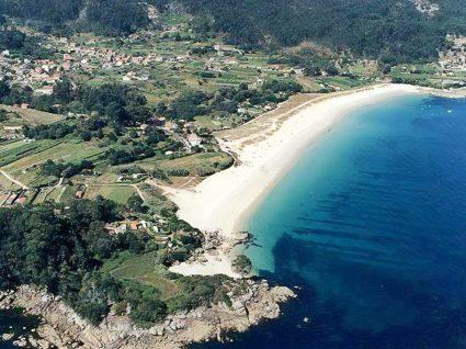 Panorâmica da praia da Barra em Cangas