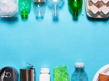 vários produtos de plástico que deve deixar de usar