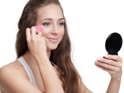Beauty Blender: como usar a esponja que faz toda a diferença na maquilhagem