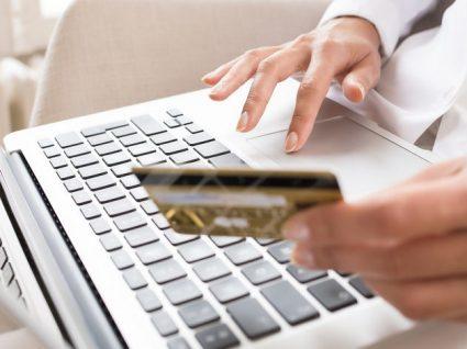 Cartão de crédito sem anuidade: saiba onde encontrá-lo