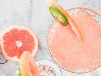 6 sumos de fruta para o verão ter a melhor companhia