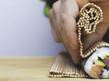 Sabe como fazer arroz de sushi? Aprenda em poucos minutos