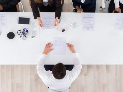 Assinar um contrato com duração inferior a 6 meses: é legal ou não?