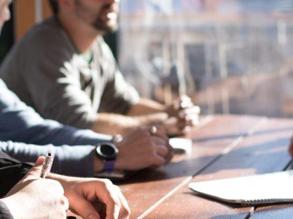 Sobrecarga de trabalho: 7 formas de contornar e gerir a carreira