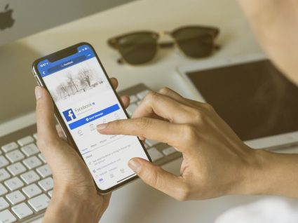 Facebook: poderá ter de pagar para participar em grupos