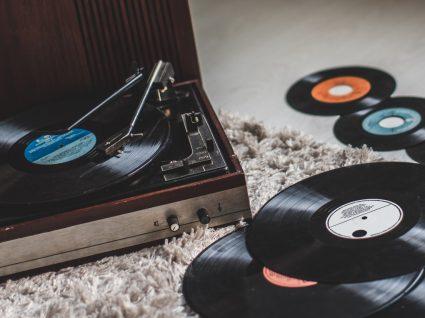 Gira-discos: onde comprar e 3 boas opções