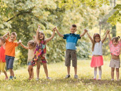 10 jogos ao ar livre para fazer com os seus filhos