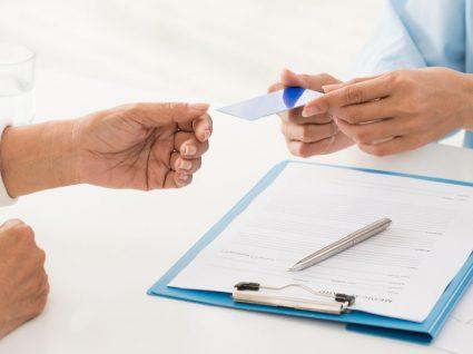 Como encontrar o melhor seguro de saúde: 5 aspetos a considerar