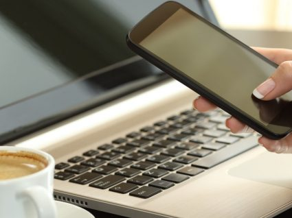 Como desbloquear telemóvel: passo a passo e preços